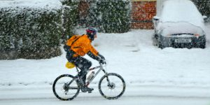 biking-in-the-snow